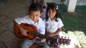 camila y la guitarra
